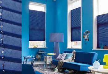 Голубые шторы плиссе