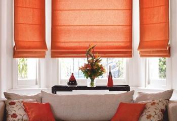 оранжевые римские шторы