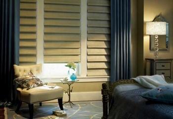 Римские шторы на окне